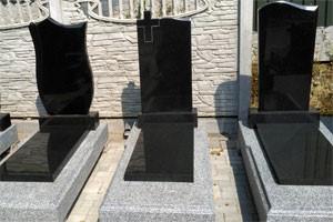 памятник на могилу цена от мастеров компании Феникс